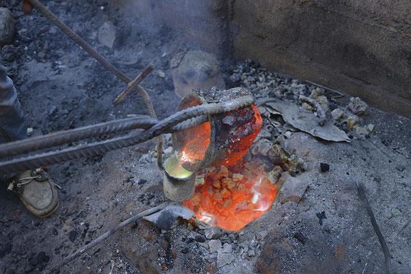 Les bronziers : Matière chauffée à environ 1500 degrés