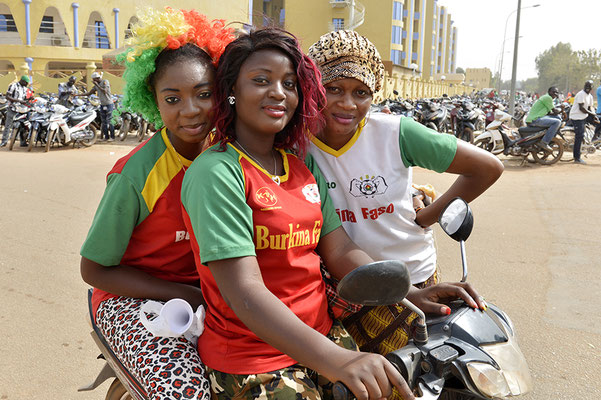 Supportrices des Étalons. Équipe nationale de football du Burkina Faso
