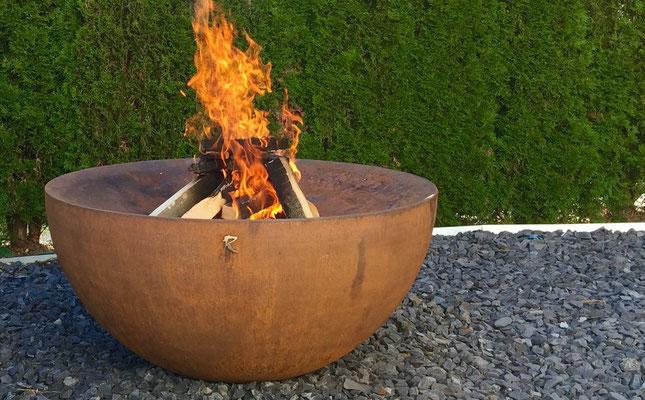 Feuerkugel stahl art rufer - Feuerkugel garten ...