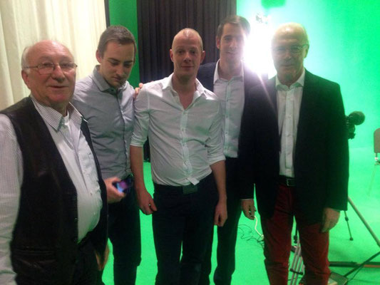"""Sascha Lorenz, Eric Westenberger, Sebastian Rank, Dennis Westenberger und Franz Beckenbauer, """"Hall of Fame"""" Deutsches Fußballmuseum © 2017 by Dennis Westenberger"""