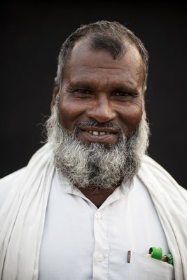 """Mohammed Kayum, 60, Electrician: """"This Yatra makes sense. I will make sure my children learn these lessons. I am too poor to have a toilet. The government gives money but it gets eaten up on the way to the people it's meant for."""" Gorakhpur, Uttar"""