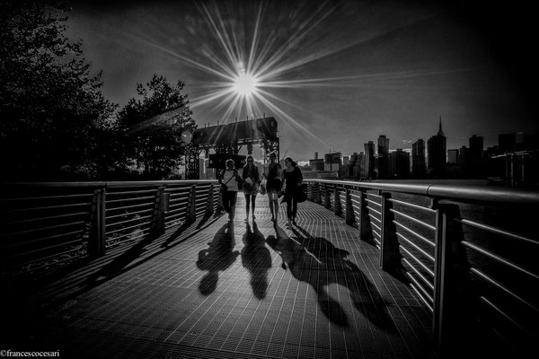 New York Queens - Shadows