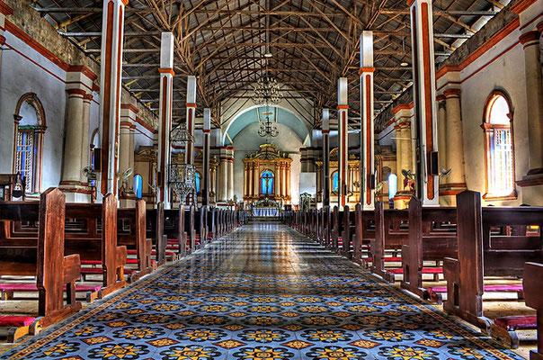 サンオウガスチン教会内はとてもオシャレ