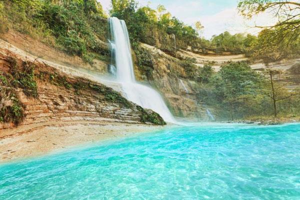 カアングリアン滝