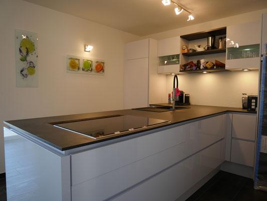 Die moderne Küche - perfekt im Wohnraum integriert
