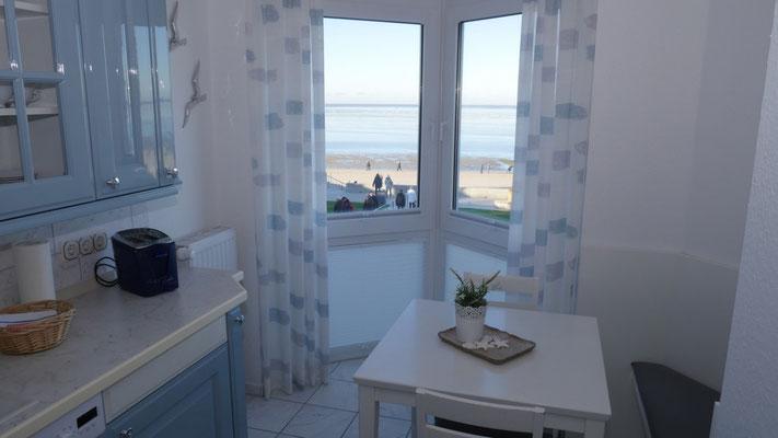 Meerblick auch aus der Küche der Ferienwohnung in Cuxhaven