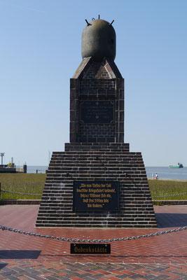 Das Marinedenkmal an der Alten Liebe