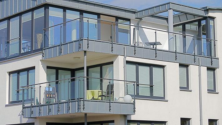 Der sonnige Balkon der Ferienwohnung Küstentraum.