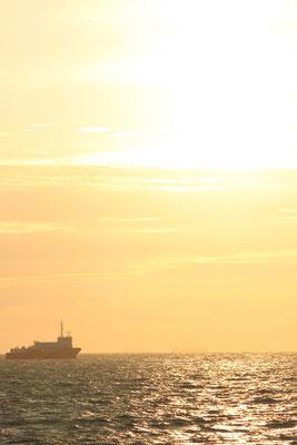 Das Lotsenstationsschiffim Sonnenuntergang