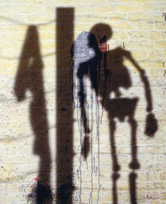 Les Ombres Barbelés  (photographie laminée sous plexiglas - 150 x 120 cm)