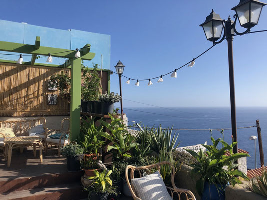 Great bar to chill with awesome views at Playa Santiago - La Gomera