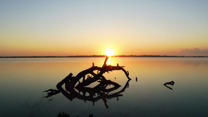 Sunrise - Bacalar - The lake of the seven colours