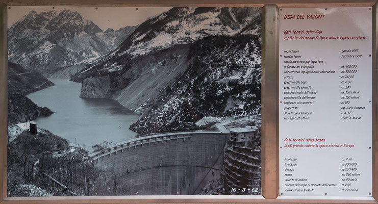 Old picture: Tha Vajont Dam and the dam lake of Longarone