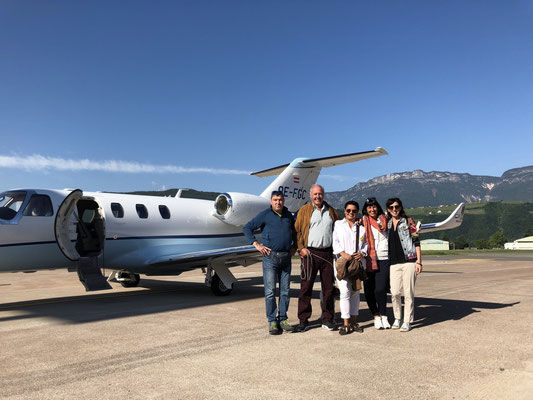 Our travel gang: Lorenz, Peter, Mihaela, Jolanda, me and Robby, the dog (from left to right) and the private jet