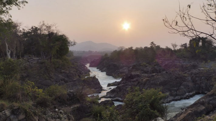 Almost sunset at the Waterfall on Don Khon
