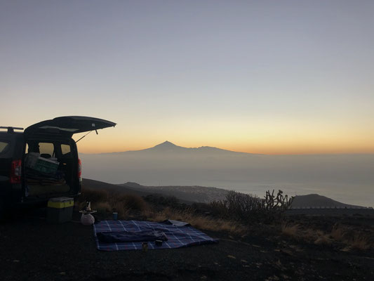 Traveling with the car in La Palma