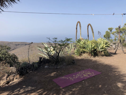 yoga in front of my little house in the South of La Gomera - Alajerò