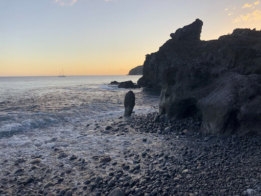 Sunset time at Playa Medio - La Gomera