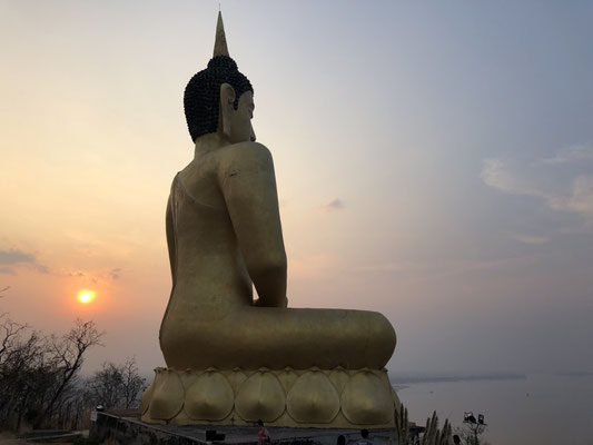 The Big Golden Buddha & Sunset in Pakse, Laos