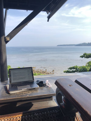 My favourite spots to work as an accountant in Kamala, Phuket (Thailand): in the morning on the terrace enjoying the lovely view