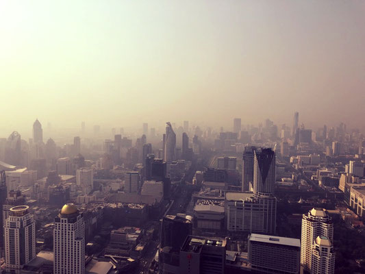 Morning fog or dirty air above Bangkok?