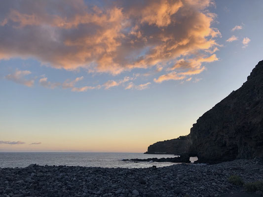 Sunset time at Playa Chinguarime - La Gomera