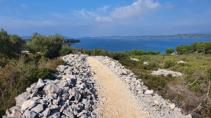 Oberer Weg zwischen Betina und Murter