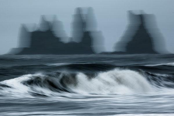Am schwarzen Strand von Vik