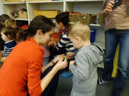 Elternabend mit Experimenten: Eine tolle Möglichkent, zu zweit zu forschen