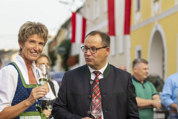 Nationalratsabgeordnete Martina Diesner-Wais, Bürgermeister Christian Krottendorfer