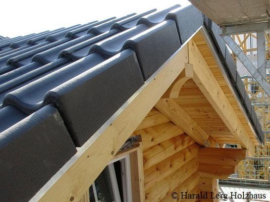 Wohnblockhaus - Blockhaus - Dach - Ökologisch Bauen - Gesund Wohnen