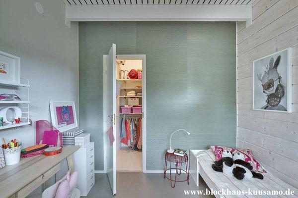 Mädchenzimmer im Wohnblockhaus