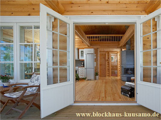 Rundbohlenhaus als Singlehaus  -  © Blockhaus Kuusamo
