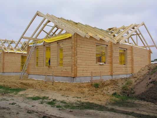 Blockhausbau - Wohnblockhaus mit Thermowand - Bausatz - Blockhäuser mit  Komplettmontage - Wetterdichtmontage - schlüsselfertig