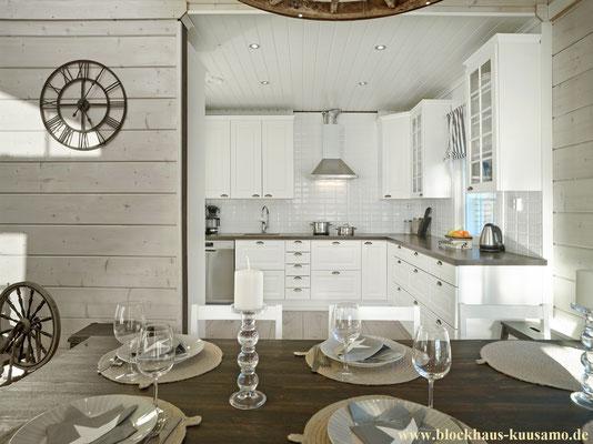 Helle, offene Küche im Designhaus