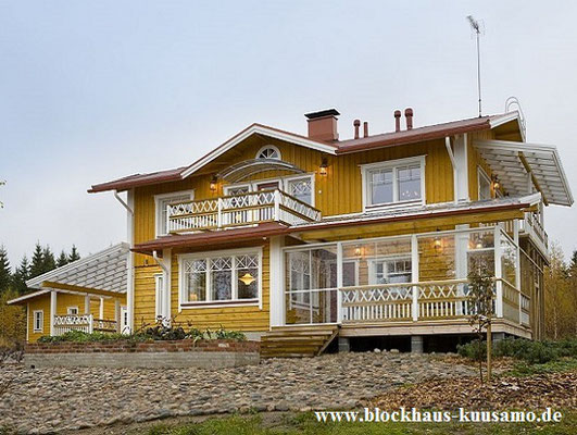 Individuelles Wohnblockhaus in Ockerfarbe - das Beste vom Besten - Echtes Blockhaus aus Finnland