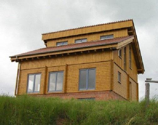 Blockhaus Hanghaus Hessen - Extravagantes Blockhaus mit Pultdach - Hausbau - Holzbau - Blockhausbau - Gütersloh - Hameln - Gifhorn - Annaberg Buchholz - Erlangen Erding - Schwelm - Emsland - Meppen - Emmendingen - Herzberg Elster - Ansbach - Holzhäuser