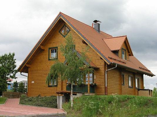 Holzhaus Fulda in Blockbauweise - Blockhaus als Büro und Musterhaus - Blockhäuser - Ökohaus - Einfamilienhaus - Hessen - Wetzlar - Lich - Hausbau - Hausbau - Immobilie - Lich - Homberg - Vogelsberg - Rhön - Gersfeld - Schlüchtern - Bischofsheim - Hessen