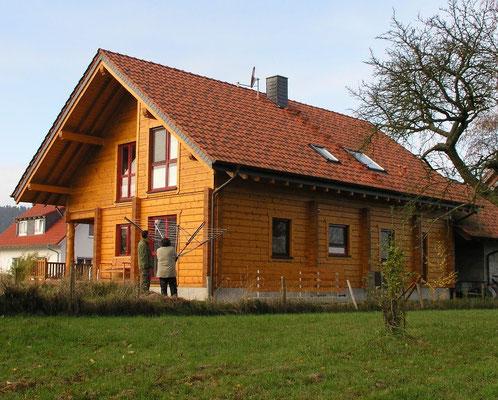 Holzhaus in Blockbauweise - Massivholzhaus als Wohnhaus - Blockhaus bauen