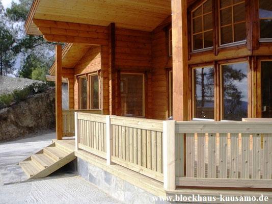 Blockhaus als Zweitwohnsitz - Zweitwohnhaus in massiver Blockbauweise - Wohnhaus mit Terrasse - individuelle Planung - Entwurfsplanung