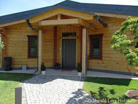 Harald Lerg Holzhaus -  Blockhaus Kassel - Mörfelden-Walldorf - Hühnfeld - Bad Salzschlirf - Blockhaus Bungalow