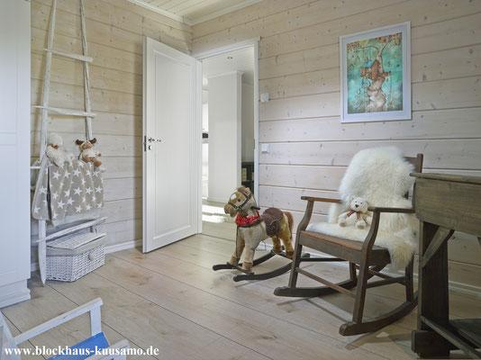 Innenansicht im Blockhaus - Gemütliches Wohnen im Allergikerhaus aus Holz
