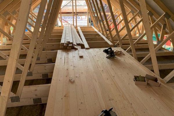 Blockhaus Kuusamo  - Blockhausbau in Deutschland - Dachkonstruktion des ebenerdigen Holzhauses nach Statik - Schaumburg - Hannover - Wolfsburg - Goslar - Peine  - Harz - Baustelle - Celle - Gifhorn - Nienburg