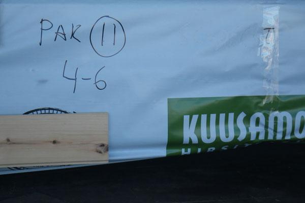 Holzpakete werden gut eingepackt