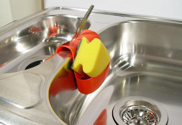 Wie reinigt man einen verstopften Abfluss?  Wohnhaus, Einfamilienhaus, Eigenheim, Sauna, Umwelt, Abfluss, Abflussrohre, Kanalisation, Kläranlage, Abwasser, Wartung, Reinigungsmittel, Bad, Essig, Wasser, Küche