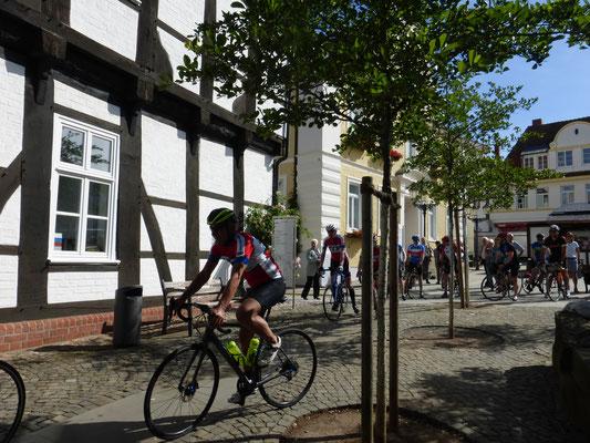 Der Start vom Verdener Rathaus aus.