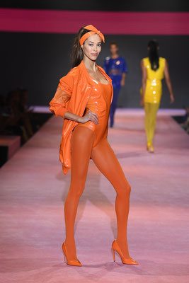 Calzedonia fashion show for Milano Fashion Week september 2017 - costumes and accessories by Flavia Cavalcanti