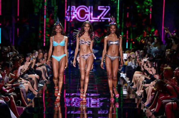 fashion show Calzedonia summer 2015 - accessories by Flavia Cavalcanti