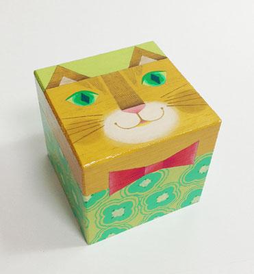 猫箱シリーズ。トラ猫ちゃん。