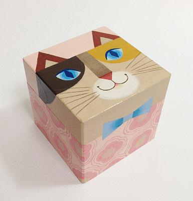 猫箱シリーズ。ミケ猫ちゃん。